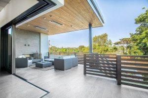 luxury-outdoor-living-space